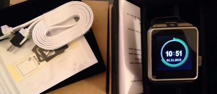 Recensione smartwatch GV08 compatibile con iPhone, smartphone android e con slot SIM